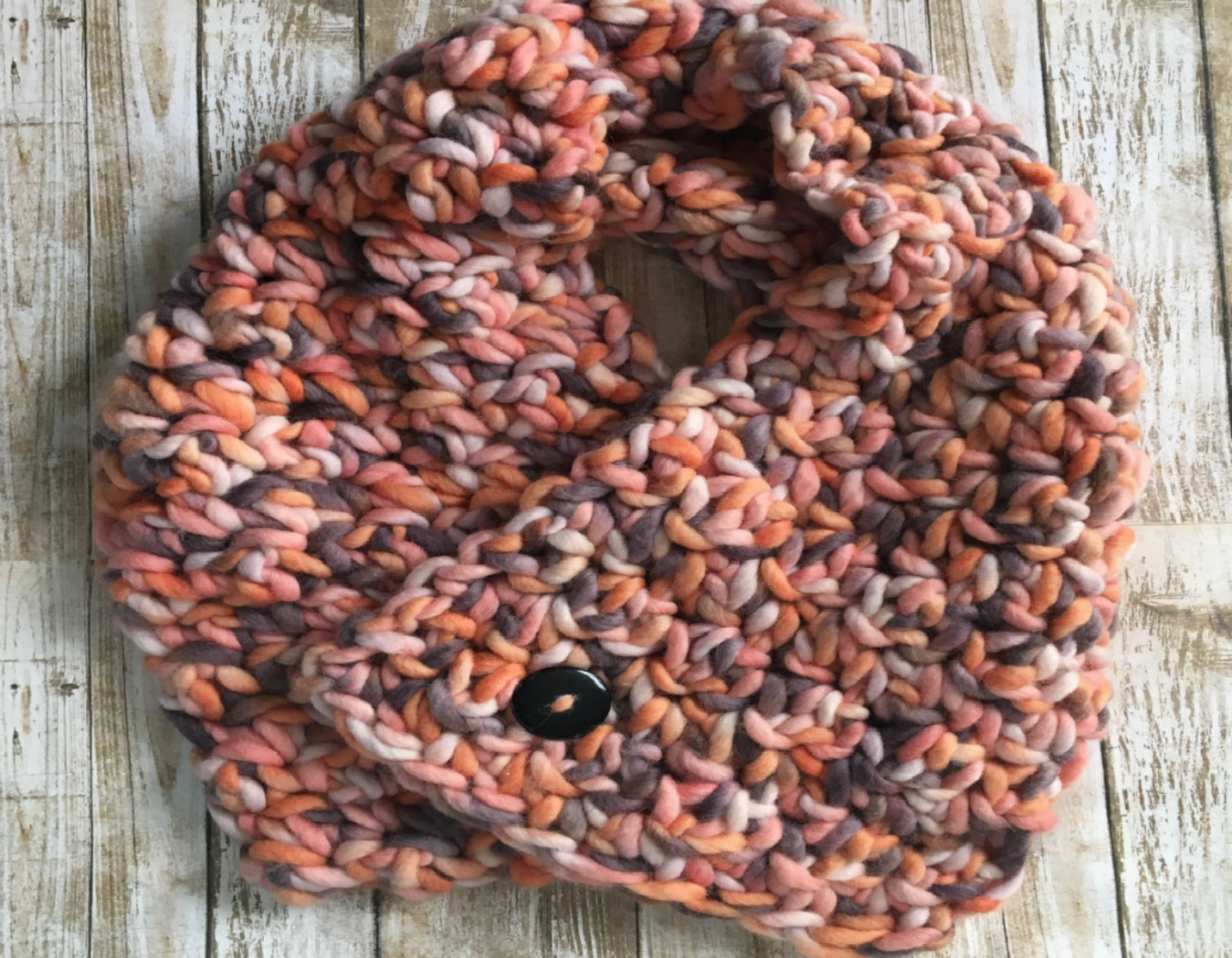 Dusky Warm Cowl: Winter Cozies Free Pattern
